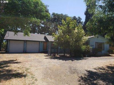 Roseburg Single Family Home For Sale: 4169 Carnes Rd