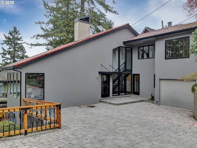 Single Family Home For Sale: 1598 SW Upper Hall St