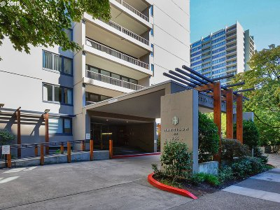 Condo/Townhouse For Sale: 255 SW Harrison St #11A