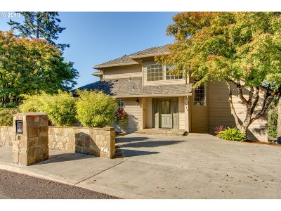 West Linn Single Family Home For Sale: 1712 Killarney Dr
