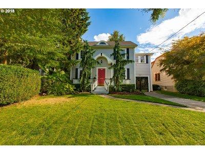 Single Family Home For Sale: 4214 NE Hassalo St