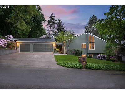 Lake Oswego Single Family Home For Sale: 2398 Palisades Crest Dr