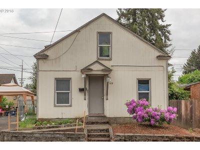 Cowlitz County Single Family Home For Sale: 608 Bloyd