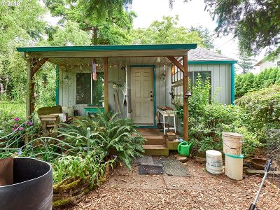 Portland Single Family Home For Sale: 110 SE 139th Ave