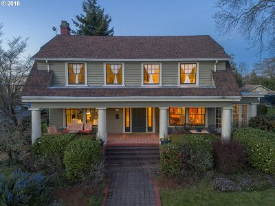 Single Family Home For Sale: 8233 N Willamette Blvd