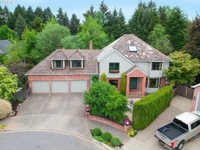 Tualatin Single Family Home For Sale: 10055 SW Hedges Ct