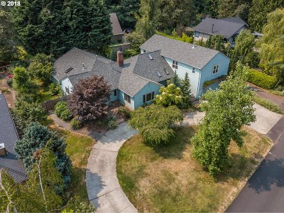 West Linn Single Family Home For Sale: 3990 Mapleton Dr