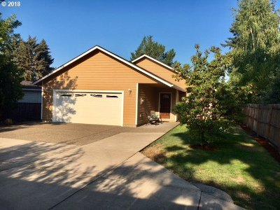 McMinnville Single Family Home For Sale: 1230 NE 18th St