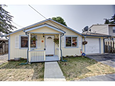 Portland Single Family Home For Sale: 7024 SE Hazel Ave