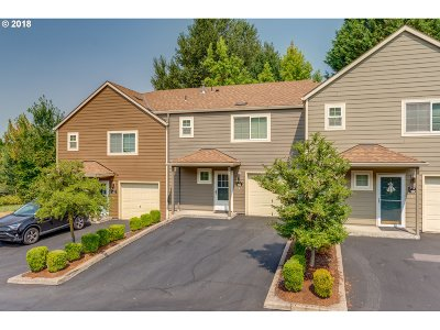 Tualatin Condo/Townhouse For Sale: 7173 SW Sagert St #102