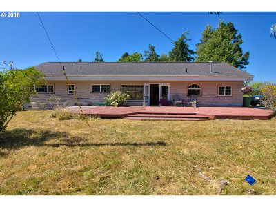 Bandon Single Family Home For Sale: 54601 Winterberry Dr