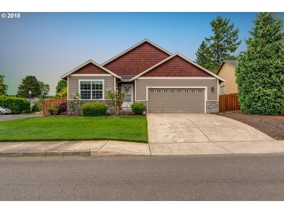 Milwaukie, Gladstone Single Family Home For Sale: 14844 SE Orchid Ave