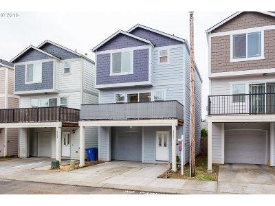 Condo/Townhouse For Sale: 2530 SE 130th Ave