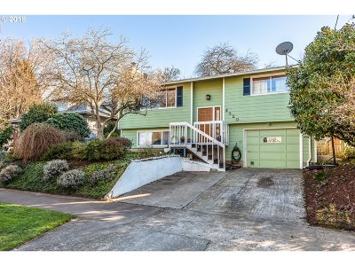 Single Family Home For Sale: 4320 SE Reedway St