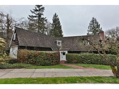 Portland Single Family Home For Sale: 2885 SW Fairview Blvd