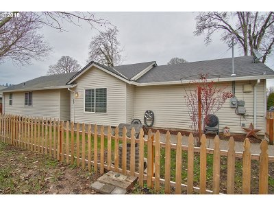 Dundee Single Family Home For Sale: 380 SE 10th St