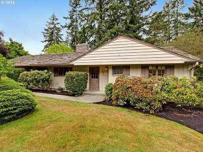 Portland Single Family Home For Sale: 4917 SW 37th Ave