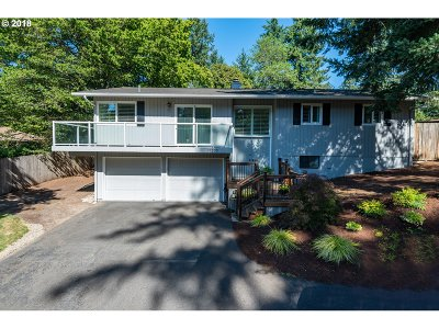 Lake Oswego Single Family Home For Sale: 17270 Bryant Rd