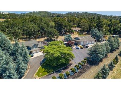 Roseburg Single Family Home For Sale: 125 Fisher Rd