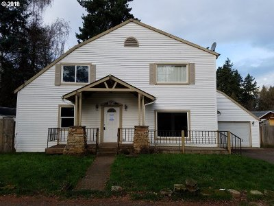 Milwaukie Single Family Home For Sale: 9557 SE 40th Ave