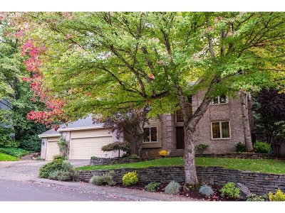West Linn Single Family Home For Sale: 1337 Stonehaven Dr