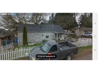 Portland Single Family Home For Sale: 13105 SE Raymond St