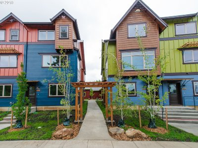 Cully, Beaumont-Wilshire, Hollywood, Rose City Park, Madison South, Roseway Condo/Townhouse For Sale: 5850 NE Mason St #4