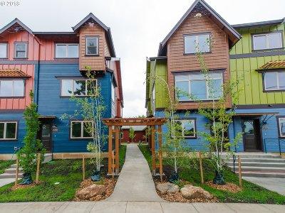 Portland Condo/Townhouse For Sale: 5850 NE Mason St #4