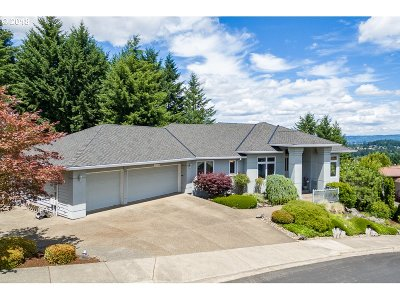 Beaverton Single Family Home For Sale: 17427 SW Arbutus Dr
