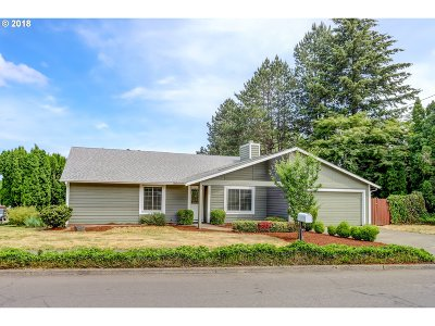 Tigard Single Family Home For Sale: 12155 SW Katherine St