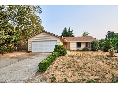 Newberg, Dundee, Lafayette Single Family Home For Sale: 104 E Foothills Dr