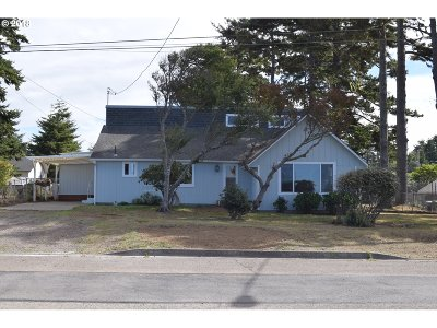 Coos Bay Single Family Home For Sale: 661 S Marple