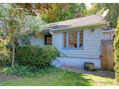 Portland Single Family Home For Sale: 3815 NE 18th Ave