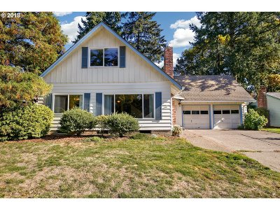 Beaverton Single Family Home For Sale: 5790 SW Elm Ave