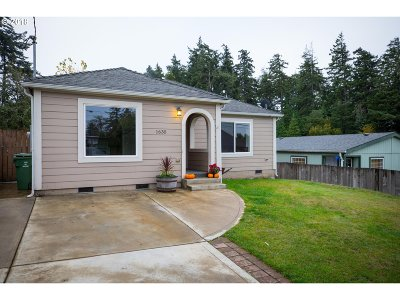 Coos Bay Single Family Home For Sale: 1635 Thompson Rd