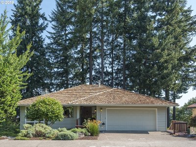 West Linn Single Family Home For Sale: 2906 Bluegrass Way