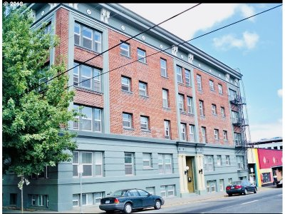 Portland Condo/Townhouse For Sale: 1631 NW Everett St #203