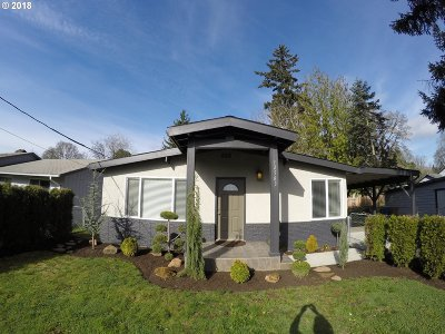 Milwaukie Single Family Home For Sale: 12583 SE 24th Ave