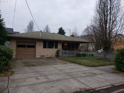 Portland Single Family Home For Sale: 727 SE 141st Ave