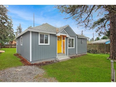 Single Family Home For Sale: 6820 SE Brehaut St