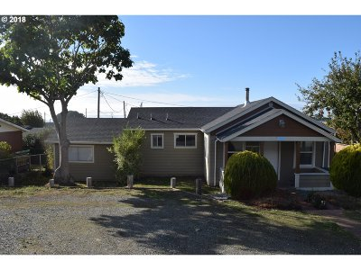 Gold Beach OR Single Family Home For Sale: $199,000