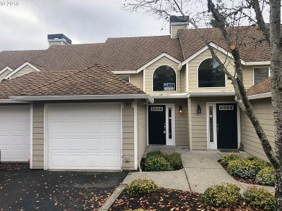 Lake Oswego OR Condo/Townhouse For Sale: $339,900