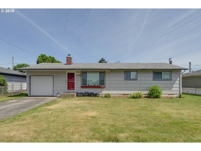 Portland Single Family Home For Sale: 15229 SE Harrison St