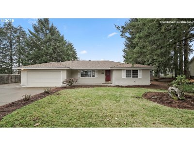 Forest Grove Single Family Home For Sale: 1806 SW Lavenir Ter