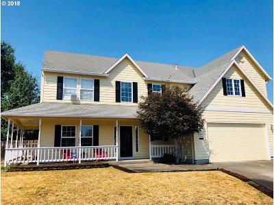 Hillsboro Single Family Home For Sale: 3471 NE Corona Ct