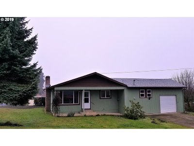 Roseburg Single Family Home For Sale: 888 W Indianola St