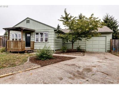 Eugene Single Family Home For Sale: 105 Knapp Ln