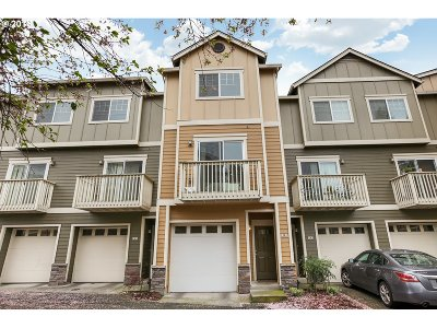 Condo/Townhouse For Sale: 18485 SW Stepping Stone Dr #58