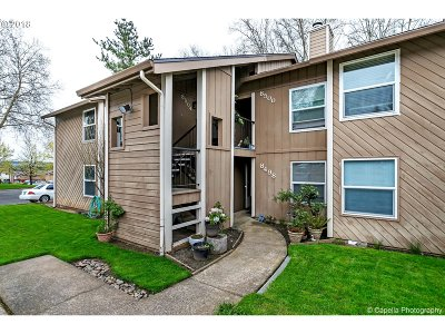 Tualatin Condo/Townhouse For Sale: 8504 SW Mohawk St