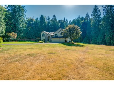 Gresham Single Family Home For Sale: 3765 SE Oxbow Pkwy